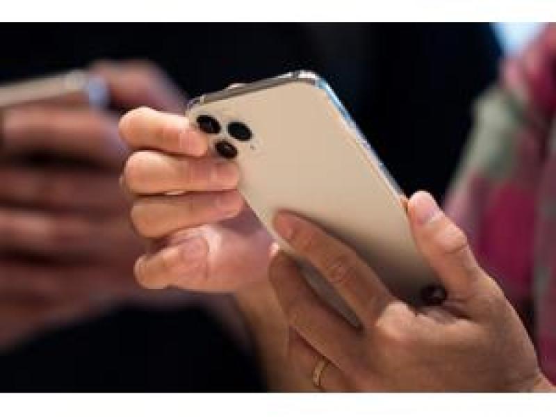"""""""iOS"""" yeniləməsi """"iPhone"""" və """"iPad"""" qurğularını sıradan çıxarıb"""