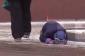 Qadın ağlayan uşağı küçədə sürüdü - FOTO