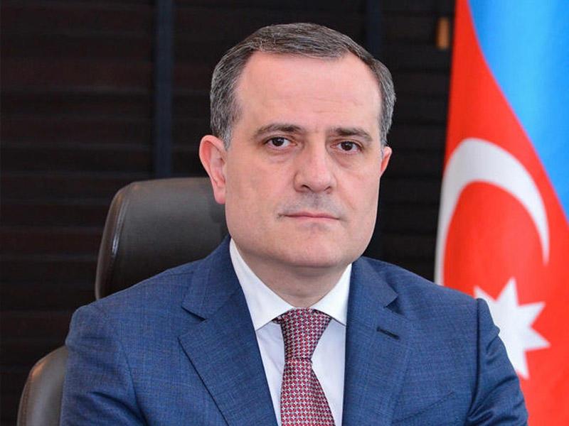 Nazir Türk Şurasının Baş katibini cəbhədəki son durumla bağlı məlumatlandırıb