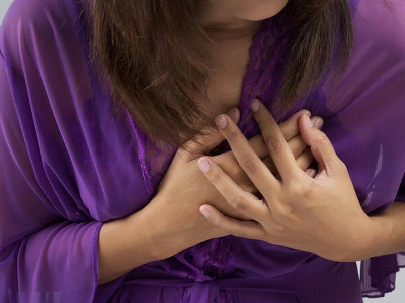 Ürək krizi keçirən xəstəyə ilk tibbi yardım
