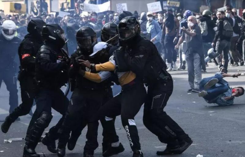 Beşiyində boğulan demokratiya - İstismar müddəti bitən dəyərlər - FOTO
