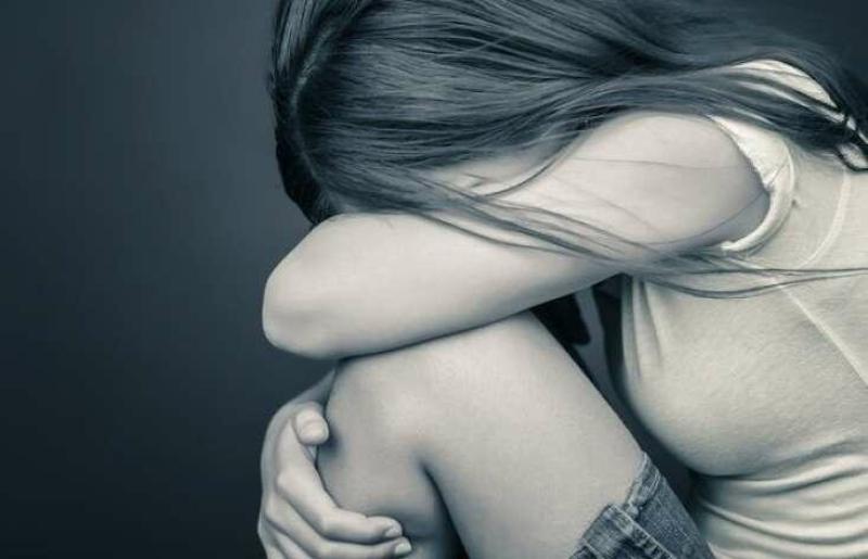 16 yaşlı qızı evə çağırıb içkisinə yuxu dərmanı atdı: Sonra dəhşət törətdi - FOTO