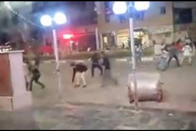 KİV: İranda etiraz aksiyasında bir nəfər güllələnib, 14 polis əməkdaşı yaralanıb
