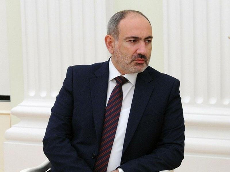 Nikol Paşinyan protokol şöbəsinin rəisini vəzifəsindən azad etdi
