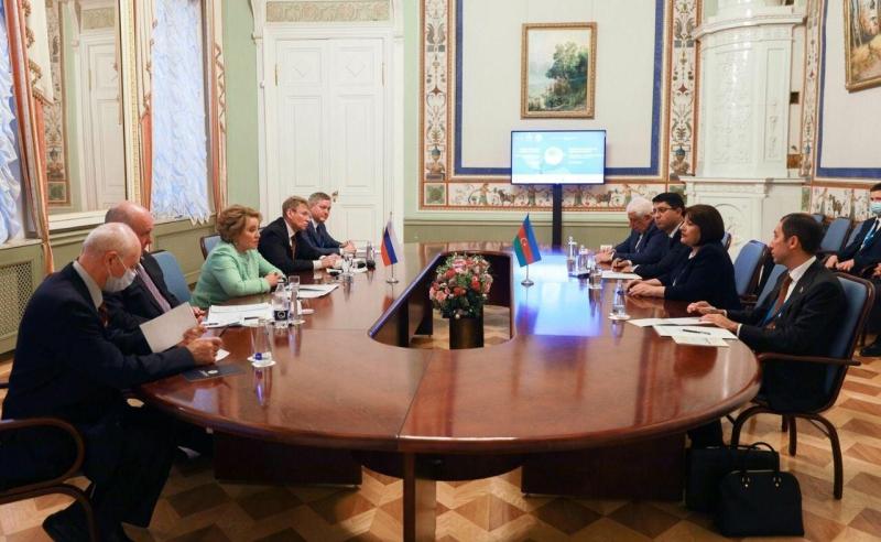 Milli Məclisin sədri Matviyenko ilə görüşüb