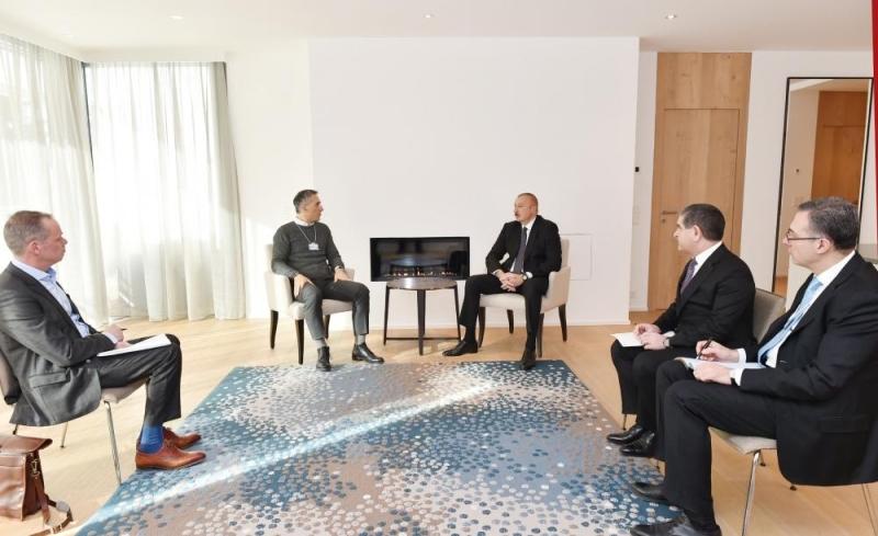 """Prezident İlham Əliyev Davosda """"Signify"""" şirkətinin baş icraçı direktoru Erik Rondolat ilə görüşüb - FOTO"""