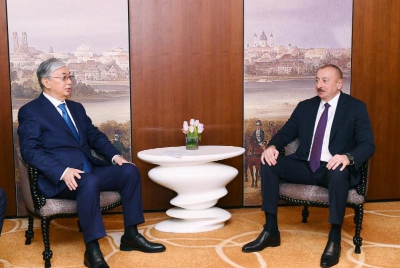 Prezident İlham Əliyev Münxendə Qazaxıstan Respublikasının Prezidenti Kasım-Jomart Tokayev ilə görüşüb - FOTO
