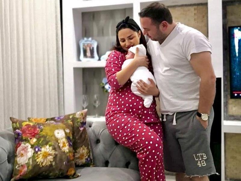 Cəmilə yeni doğulan oğlunu göstərdi - FOTOlar