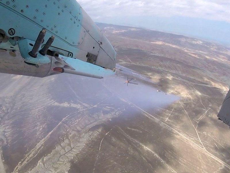 Azərbaycan HHQ-nin aviasiyası döyüş atışlı taktiki-uçuş təlimləri keçirib - VİDEO - FOTO
