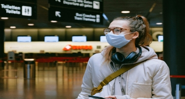 Koronavirus simptomlarını aşkar edib telefonunuza ötürə biləcək ağıllı maska hazırlanıb