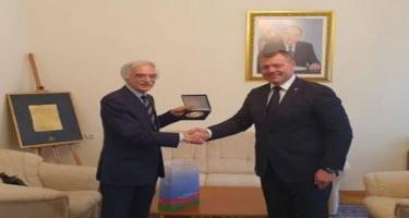 Polad Bülbüloğlu Həştərxan vilayətinin qubernatoru ilə görüşüb