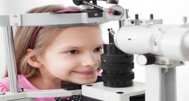 Uşaqlarda məktəbdən öncə göz müayinəsi vacibdirmi?