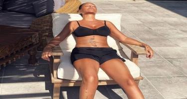 Hülya Avşardan bikinili FOTO