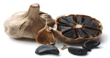 Qara sarımsağın inanılmaz faydaları