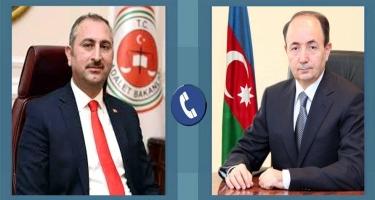 Türkiyə və Azərbaycan ədliyyə nazirləri arasında telefon danışığı olub