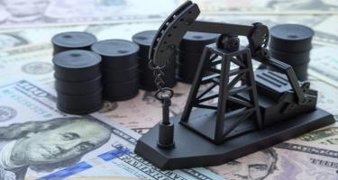 Azərbaycan neftinin qiyməti azalıb