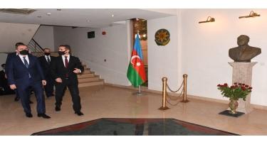 Ceyhun Bayramov Pakistanda Azərbaycan Səfirliyini ziyarət edib - FOTO