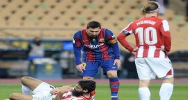 Messi rəqibini belə vurdu - VİDEO