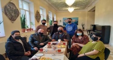 Uşaq və Gənclər Teatrının Vətən müharibəsində iştirak etmiş aktyorları ilə görüş keçirilib - FOTO