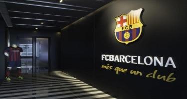"""Polis """"Barselona""""nın ofisində axtarış aparır"""