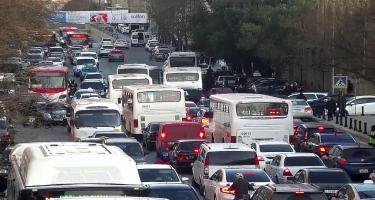 Paytaxt yollarında sıxlıq var - Avtobuslar gecikir - FOTO
