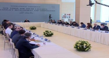 Prezident İlham Əliyev ADA Universitetində keçirilən konfransda çıxış edir - CANLI - FOTO