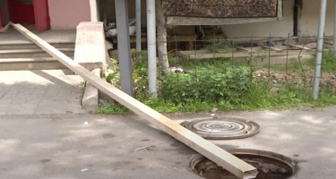 Xətai rayonunda kanalizasiya suyu yaşayış binasının zirzəmisinə axır - VIDEO