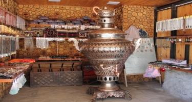Bu samovarla 1200 nəfəri çaya qonaq etmək olar - hündürlüyü 2,2 metr, həcmi 250 litrdir - Lahıcdan reportaj - FOTO