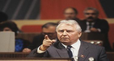 Qorbaçovu aradan götürmək istəyən özü öldü - SSRİ-nin ən məşhur liderlərindən idi