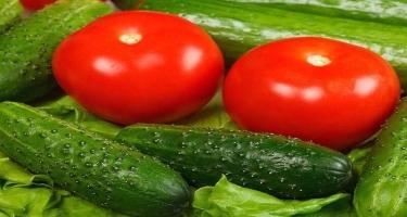 Xiyar və pomidor həyətlərdə qalıb - VİDEO