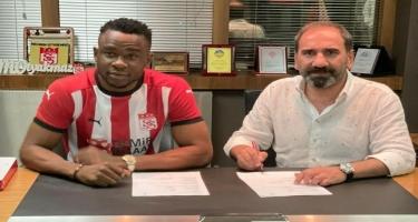 Türkiyə klubundan daha iki transfer