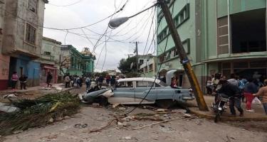 Güclü tornado binaları dağıtdı