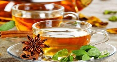 Diet saxlamaq istəyənlərə 10 detoks çayı