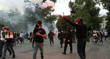 Fransada məcburi peyvəndə qarşı aksiya - 3 polis yaralandı, 19 etirazçı həbs edildi