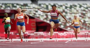 Dünya rekordunu yenilədi, Olimpiya çempionu oldu
