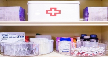 Hər evdə ilkin tibbi yardım üçün lazım olan dərman preparatları olmalıdır