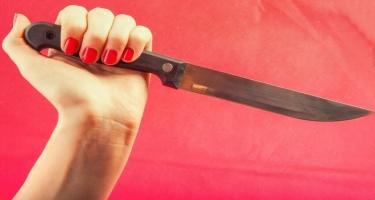 Telefonuna baxır deyə atasını öldürdü - 15 yaşlı qızın dəhşət doğuran ifadəsi - FOTO