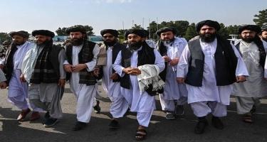 """""""Taliban"""" ilk vizanı """"Əfqanıstan Əmirliyi"""" kimi verdi - FOTO"""