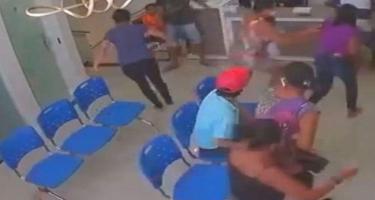 Həkim yeniyetmə pasyientin qarşısında odlu silahla qətlə yetirildi - VİDEO