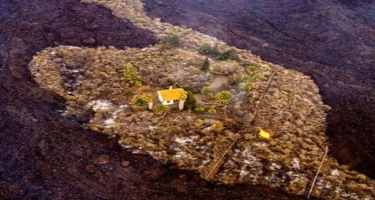 """Kanar adalarındakı vulkanda salamat qalan """"möcüzə ev"""" - FOTO"""