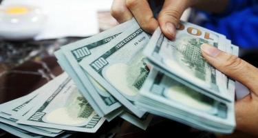 Türkiyədə dollar 9 lirə oldu