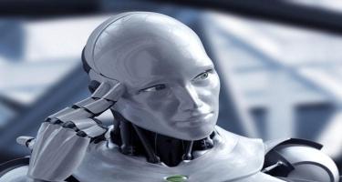 """""""Dünyagörmüş"""" robotlar """"adam"""" da ola biləcəkmi?"""