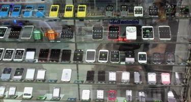 Koronavirus Azərbaycanın telefon bazarını silkələyir... - FOTO