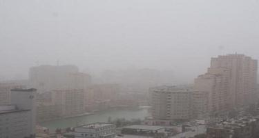 Bakı və Abşeronda toz dumanı müşahidə edilir - Normadan 2,6 dəfə çox