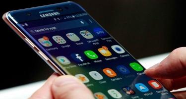 Samsung şirkəti smartfonları ultrabənövşəyi işıqla təmizləməyə başladı