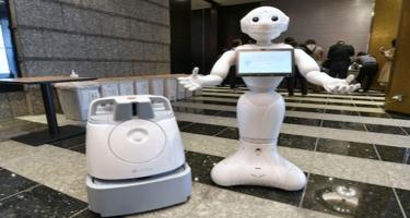 """Yaponiyada """"COVID-19"""" xəstələrinə yardım etmək üçün robotlardan istifadəyə başlayıblar"""