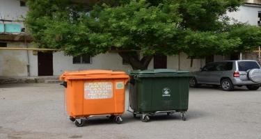 Paytaxtda həyətlərə əlavə konteynerlər qoyulub - FOTO