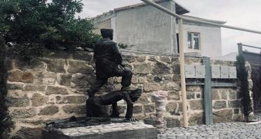 Bakıda Məşədi İbadla hambala heykəl qoyuldu - FOTOlar