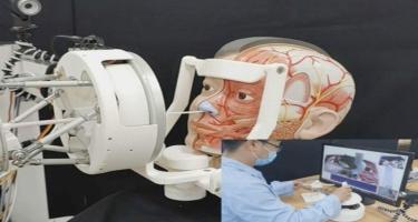Təhlükəli infeksiyalar zamanı testləri uzaqdan toplayan robot