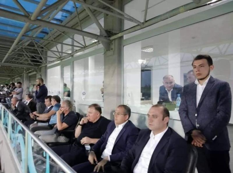 İcra başçısı və AFFA rəhbərliyi oyunda -  Şəkil